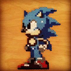 Sonic hama beads by pixel_pitt