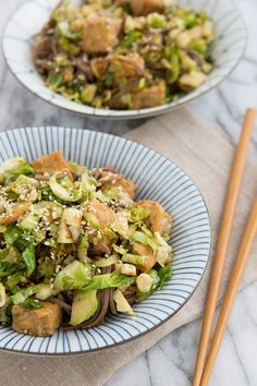 Recipe | Brussels Sprout, Tempeh & Soba Noodle Skillet from @Oh My Veggies