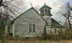 This Presbyterian church in Hoberg, Missouri was built in Photo by Robert McCormick, taken Rusty Cars, Old Barns, Abandoned Places, Missouri, Landscapes, Cabin, House Styles, Building, Home