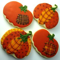 I hope you don't tire of my fall cookies just yet. I did many more of the same yesterday, but I also added a few new Thanksgiving related on. Fall Decorated Cookies, Fall Cookies, Iced Cookies, Pumpkin Cookies, Royal Icing Cookies, Cupcake Cookies, Cupcakes, Halloween Sugar Cookies, Halloween Treats