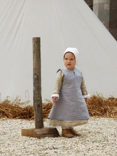Items similar to Medieval costume made of linen for baby - outfit of 3 pieces - on order on Etsy Costume Viking, Renaissance Fair Costume, Viking Reenactment, Medieval Costume, Renaissance Clothing, Kids Outfits, Cool Outfits, Costumes Couture, Vikings