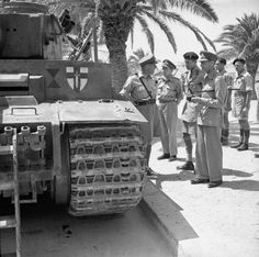 King George VI visits North Africa and Malta. The King inspects a captured German Tiger I tank in Tunis, June Afrika Corps, North African Campaign, Tiger Ii, Tiger Tank, Ww2 Tanks, George Vi, German Army, Historical Pictures, British Army
