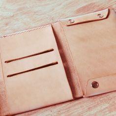 Handmade elegant leather wallet business card holder original design by unimistore