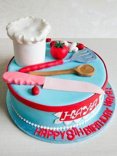 Un tort personalizat si pregatit pentru aniversarea unui bucatar iscusit sau chiar si pentru unul amator, decorat cu detalii delicioase ce se pot personaliza dupa bunul plac. Fondant Cake Designs, Fondant Cakes, Themed Birthday Cakes, Themed Cakes, Cakes For Teenagers, Chef Cake, Fathers Day Cake, Mom Cake, Couture Cakes