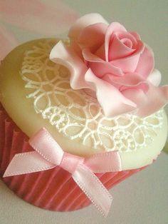 Romantic Heart & Soul - Dainty Cupcake