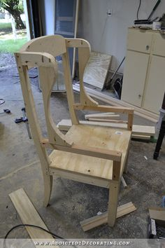 DIY wingback dining chair - how to build a frame for an upholstered chair - 18 Diy Furniture Chair, Diy Sofa, Diy Pallet Furniture, Diy Chair, Upholstered Furniture, Furniture Plans, Furniture Makeover, Furniture Websites, Furniture Outlet