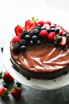 Low-Carb Flourless Chocolate Cake - This Low-Carb Flourless Chocolate Cake is made with Almond flour, which means it's also gluten-free and full of flavour!