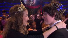 House of Anubis Challenge Day #15. A kiss: Fabina's season one final kiss. That was epic. They were chosen by Amber as king&queen of the prom.
