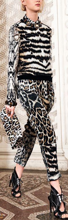 Roberto Cavalli Resort 2014 Animal Print Outfits, Animal Print Fashion, Fashion Prints, Animal Prints, Look Fashion, Fashion Show, Womens Fashion, Fashion Design, Runway Fashion
