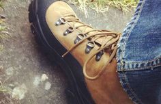 Need a pair of tough shoes for your next trip? Bates Footwear are giving all customers who enter their survey the chance to win a pair of Bates boots. Free Vacations, Vacation Trips, Holiday Competitions, Hiking Boots, Travel Tips, Footwear, Pairs, Shoes, Walking Boots
