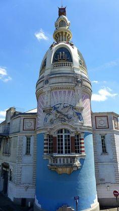 La Tour LU et le Lieu Unique (bar, brasserie, centre culturel, expositions, performances, concerts, hammam)
