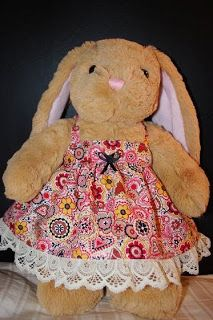 Great pix & instructions for a very simple dress for a Build a Bear!!!