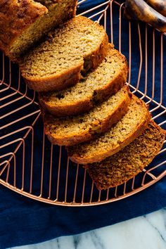 With this healthy banana bread recipe, you're only a few basic ingredients away from the best banana bread ever! It's made with whole wheat flour and honey. Healthy Banana Bread, Best Banana Bread, Healthy Pumpkin, Baked Banana, Banana Nut, Processed Sugar, Sin Gluten, Gluten Free, Cake With Cream Cheese