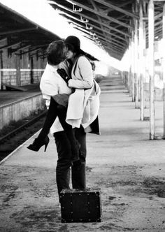 showcase some of the very beautiful black and white Inspiring Romantic Couple Kiss Photos can bring some love back into your lifes on this valentine day Love Is In The Air, This Is Love, Falling In Love, Foto Portrait, Romance And Love, True Romance, Hopeless Romantic, Kiss Me, White Photography