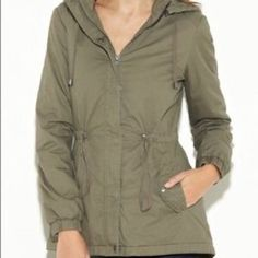 G by guess jacket Military green cozy jacket in excellent condition. Detachable hood G by Guess Jackets & Coats