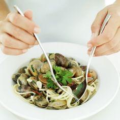 Spaghetti with Clams Voir la recette vénitienne desspaghetti à l'encre de seiche