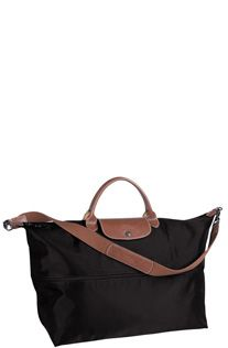 Longchamp going to pick up another expandable tote on this trip! Longchamp, Travel Bags For Women, Travel Luggage, Baggage, Favorite Things, Handbags, Tote Bag, Purses, Stylish