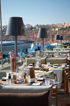 Port Adriano,  Mallorca. Aqui hay que comer un dia....