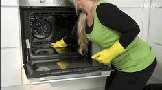 Uunin puhdistusta laiminlyödään usein huomaamatta. Vanessa ja  pikkuväki -ohjelmassa vinkataan, kui...