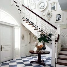 Unique Stair Railing Style At Home, Balustrades, Stair Railing, Banisters, Railings, Railing Ideas, Painted Banister, Black Railing, Stair Steps