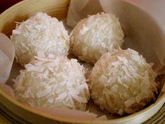 LES METS TISSÉS: Cuisine d'ici et d'ailleurs: BOULES COCO COMME AU RESTO CHINOIS (VEGAN)