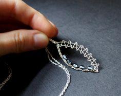 wire jewelry – Bobbin Lace Making Lace Earrings, Lace Jewelry, Jewelry Crafts, Handmade Jewelry, Bobbin Lace Patterns, Tatting Lace, Wire Pendant, Lace Making, Jewelry Making Tutorials