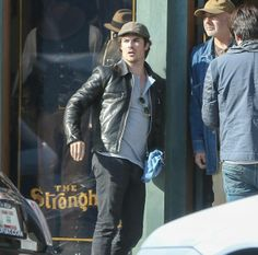 """""""Ian Somerhalder shopping at Abbot Kinney in Venice Beach"""" Abbot Kinney Venice, Paul Wesley, Ian Somerhalder, Venice Beach, Vampire Diaries, Bomber Jacket, Leather Jacket, Sexy, People"""