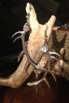 Hot huntress Earrings $14