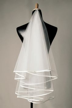 Smart Wedding Veils Multilayers Ribbon Edge V084