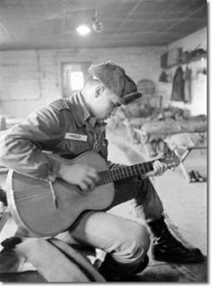 Elvis Presley Army, Elvis Presley Photos, Priscilla Presley, Rock And Roll, Are You Lonesome Tonight, Las Vegas, Army Day, Young Elvis, Music Magazines