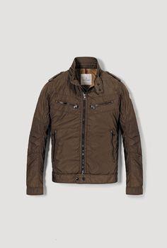 Mocler zipper jacket.