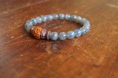 Light Purple Amethyst Gemstone Mala Bracelet van BijaMalas op Etsy