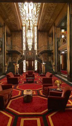 Design secrets from american horror story hotel s set for Ahs hotel decor