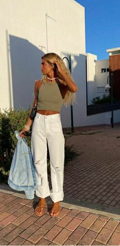 Spring Summer Fashion, Spring Outfits, Summer Outfit, Surfergirl Style, Mode Outfits, Fashion Outfits, Mode Pop, Looks Pinterest, Elegantes Outfit