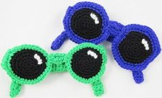 Unique Croshades Accessory - If you're into yarnbombing, you should check out this Unique Croshades Accessory. Even if you're not out on the town leaving yarn in random places, you can still work up this nifty crochet pattern for sunglasses.