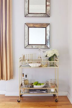 """Excellent """"gold bar cart styling"""" info is offered on our website. Read more and you will not be sorry you did Brass Bar Cart, Gold Bar Cart, Home Bar Decor, Bar Cart Decor, Built In Bar, Bar Cart Styling, Home Decor Inspiration, Decor Ideas, Decoration"""