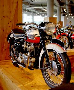 Side-View of the 1959 Triumph Bonneville