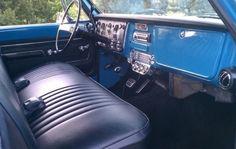 1972 Chevrolet Suburban CK2500 4x4 Deluxe For Sale Interior