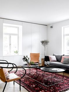 modern finnish design in a classic color palette. Bohemian Living Rooms, Shabby Chic Living Room, Home Living Room, Living Room Decor, Home Decor Trends, Home Decor Styles, Cheap Home Decor, Bohemian Interior Design, Modern Interior Design
