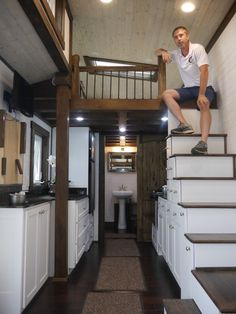 This is a 24′ model luxury tiny home on wheels designed and built by Mike Bedsole of Tiny House Chattanooga. This tiny house is called the Nooga Blue Sky, it's built using steel framing and is available for sale for $83,500. Read more at http://tinyhousetalk.com/24-luxury-tiny-home-on-wheels-by-tiny-house-chattanooga/#LppL0jfKI0PD2Q4v.99