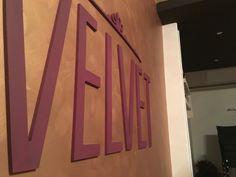 Scritte e logo in rilievo verniciate, ideale per applicazioni su pareti e muri