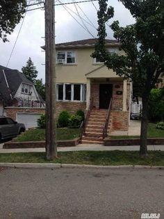 154-65 10th Ave, Beechhurst, NY 11357
