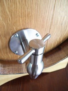 1591 bag in box verticale a botte con rubinetto in for Raccordo in acciaio verticale