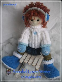Ravelry: Annabel Loves Winter pattern by MagdaLaine