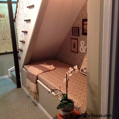 Hometalk :: Under the Stairs Book Nook a great way to use an otherwise wasted place. I would only add a drawer or two under that seat so there would be almost 0% wasted space. brilliant.