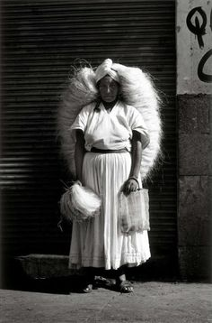Saleswoman grass, Oaxaca, Mexico,1974 - by Graciela Iturbide (1942), Mexican