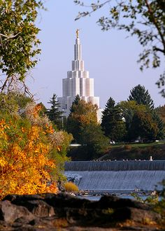 Mormon Temple  Idaho Falls - http://www.ldsfavorites.net/mormon-temple-idaho-falls/  #LDSgems #lds #mormon #LDStemples