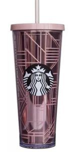 Starbucks 2017 Holiday Rose Gold Lines 24 oz Venti Cup Tumbler Lid Straw That rose gold coffee life Starbucks Water Bottle, Starbucks Bottles, Starbucks Drinks, Pink Starbucks Cup, Starbucks Tumbler Cup, Starbucks Birthday, Starbucks Venti, Starbucks Tassen, Starbucks Merchandise