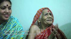 En Aout 2011, lors du tournage du documentaire «Des temples à la scène contemporaine» nous avions eu le plaisir de rencontrer Sashimani Devi, la dernière épouse du Dieu Jagannath et danseuse du temple de Jagannath à Puri. Sashimani Devi a été mariée au Dieu Jagannath à l'âge de 7 ans et lui a consacré sa vie en dansant lors des rituels.  Sashimani Devi  nous a quittés Mardi 24 Mars 2015 dans sa maison de Puri, Etat de l'Odisha, Inde.  * Extrait chanté par Sashimani Devi