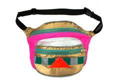 fanny de los años 90 niño splash bumbag prueba paquete de oro rosa y plata bolsa reflexiva. cremalleras ykk de metal. de beksiesboutique en Etsy https://www.etsy.com/es/listing/177651315/fanny-de-los-anos-90-nino-splash-bumbag